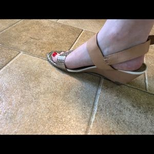 45b4b6153c4a Sam Edelman Shoes - Sam Edelman Shirley metallic tan wedge size 7